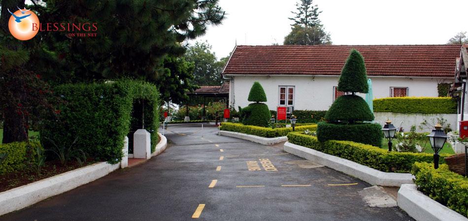 Coonoor taxi Taj hotel gate way